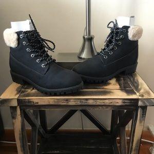 NWT Women's madden girl boots